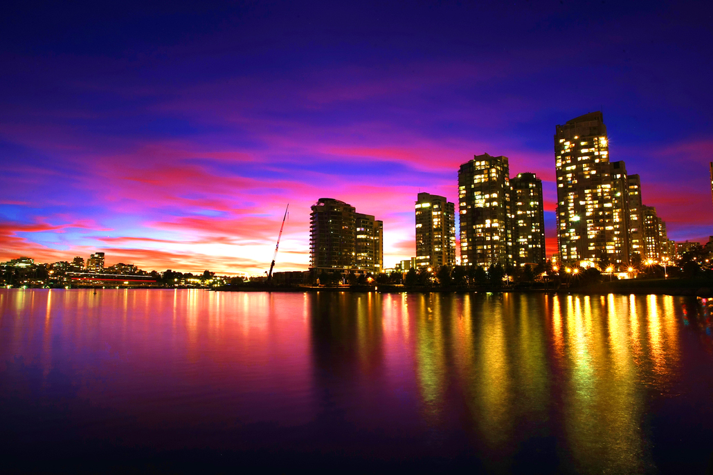 stockvault-city-skyline-at-sunset-113039